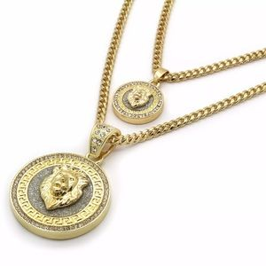 Other - 14Kt Gold Plated Lion Pendent Set With Chains