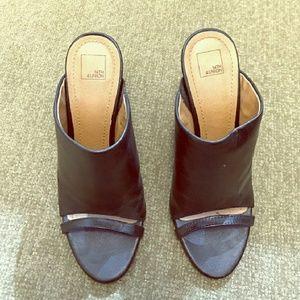 Ladies slip on sandals