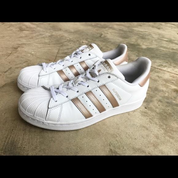 36e5804dbd7 Adidas Rose Gold Superstar Women s Size 7 Shoes. M 59d3bddb522b45401f042ef5