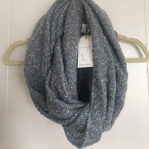 NWT FRANCESCA'S Gray and Light Blue Infinity Scarf