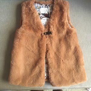 Faux fur girls vest