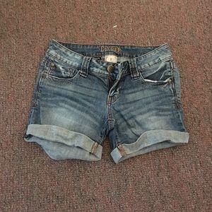 Decree Shorts