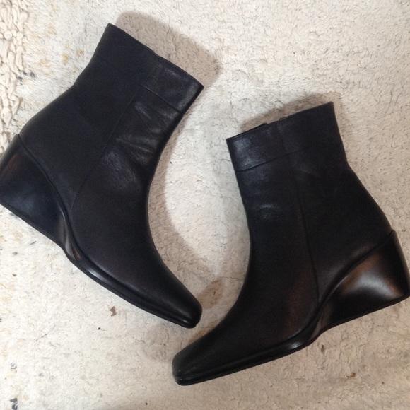 0463a8626e3e4 Coach vintage black leather wedge booties
