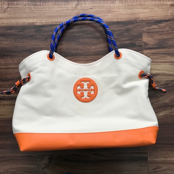5635526fa029 Tory Burch Kellyn Canvas Tote Bag. M 59d3e25beaf03005c704d42e