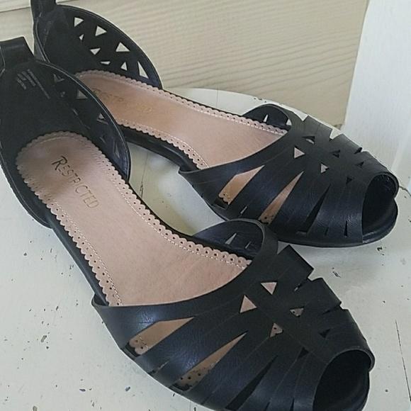 Open Toe Closed Back Black Sandal Sz