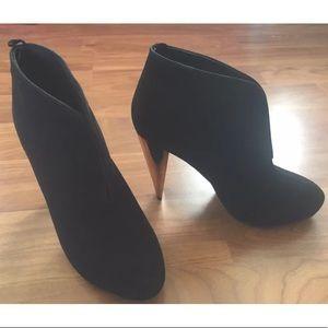 New Never Worn H&M Black Suede Booties Gold Heels6