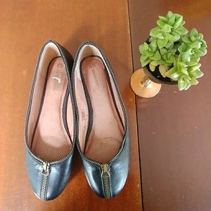 Coral Cosmo Black Shoes Brass Zipper 8.5