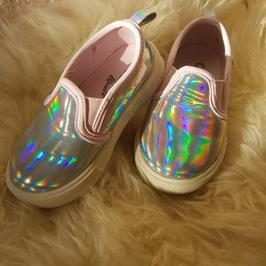 ea02946beae1 OshKosh B gosh Shoes - Iridescent Holorgram Slip On Sneakers Size 5