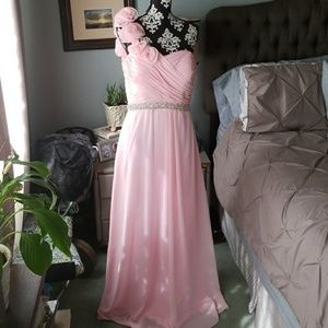 Dresses & Skirts - Bridesmaid dress size 10