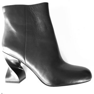 NEW OPENING CEREMONY black shaped heel ankle boots