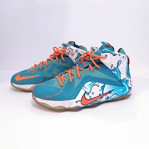 official photos 46892 b0549 Nike LEBRON 12 Kids size 6 youth. M 59d409e64e8d171b440575e4