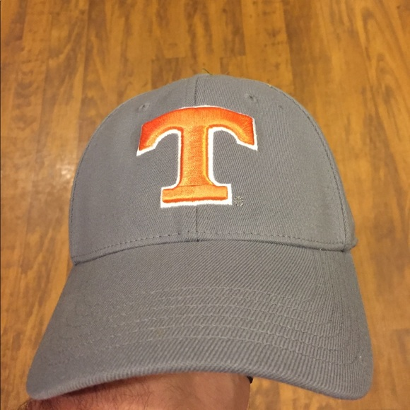competitive price 782aa 8b301 Grey Tennessee Vols hat. M 59d41d08c6c7959ca005caf7