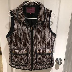 Jackets & Blazers - SOLD LOCAL🎉 Gently Used !! Printed Puffer Vest