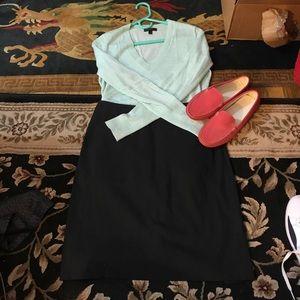 Theory black skirt size 0