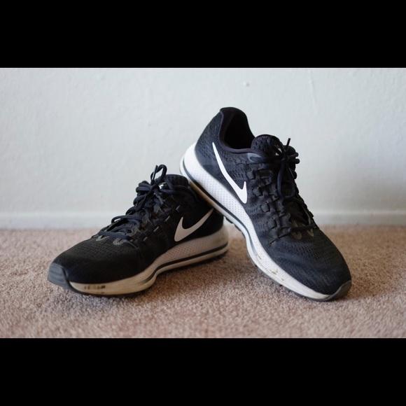 e3433af117137 Men s Nike Zoom Vomero 12 SIZE 11. M 59d42d3a7f0a05bb7005feb1