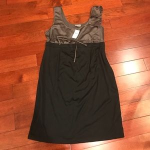 🛍NWT maternity midi dress with one shoulder bow