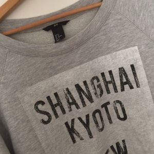 H&M New York Shanghai Sweatshirt Top