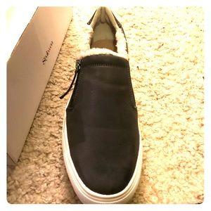 Winnie grey loafer