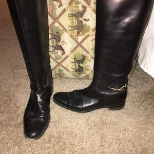 ✨Burberry black leather riding boots size 39✨
