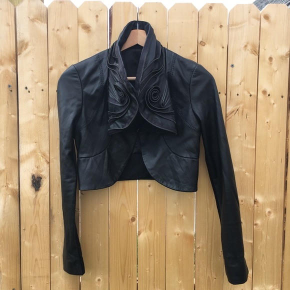 Jackets & Blazers - Cropped real leather moto jacket w/ zipper collar