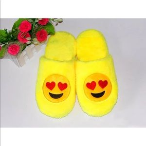 Shoes - Heart Eyes Emoji Slippers