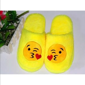 Shoes - Kissy Face Emoji Slippers