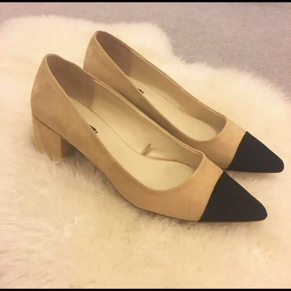 3241096c6bf1 Zara Black Tip Beige Chunky Heel Pumps. M 59d46e59981829e21c075e1f