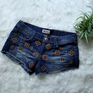 Like new! Embroidered denim cutoffs mini shorts