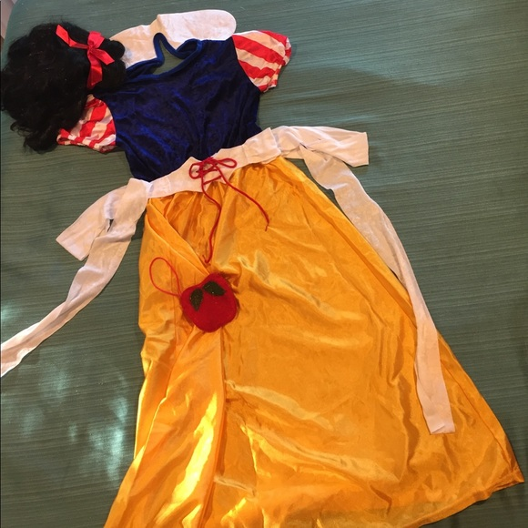 girls petite woman snow white halloween costume