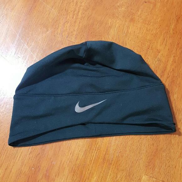 26bdb00bd28 Nike ponytail beanie. M 59d4f357d14d7b1b1c08542f