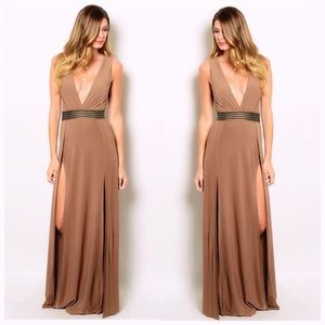 Dresses & Skirts - 🆕 Splendide Double Slit Mocha Dress