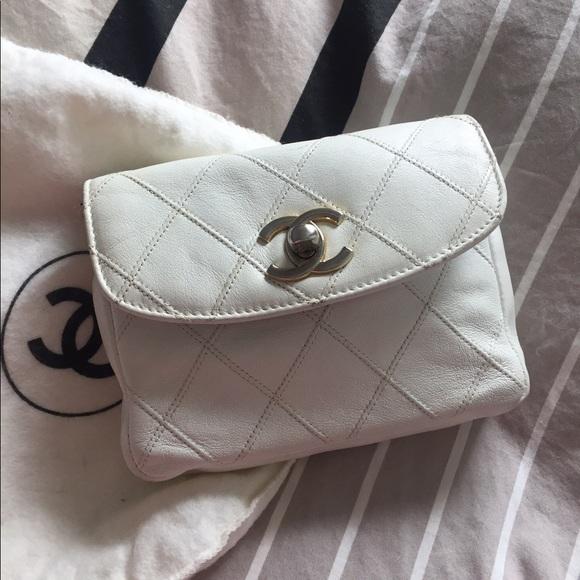 be3441ac CHANEL Vintage white belt bag