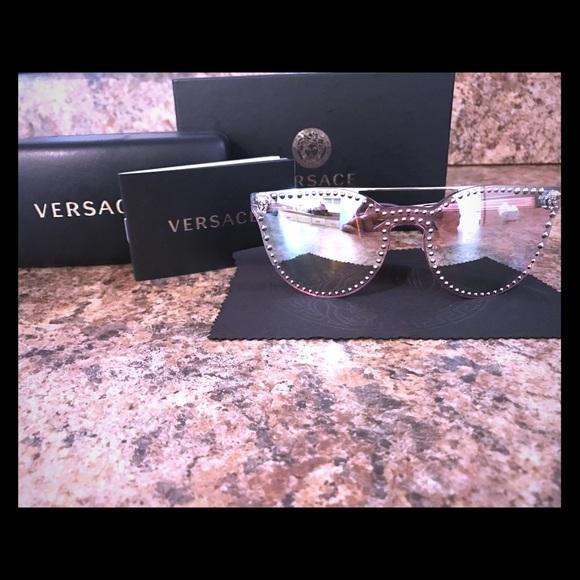 8fcc1bae4de Authentic Versace Pink Mirror Stud Sunglasses. M 59d516a84e95a3a72d08dd12