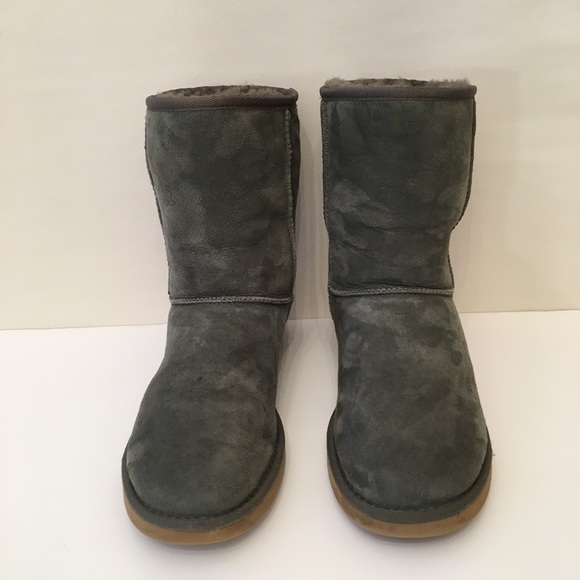 Ugg Classic Short Forest Green Boots Size 9