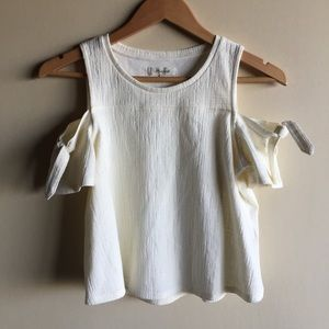 9c1f74dd6fc83e Madewell Tops - Madewell Skylark cold shoulder top in cream • nwot