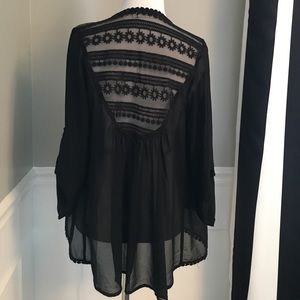 Tops - NWOT Boutique sheer open front top size Small