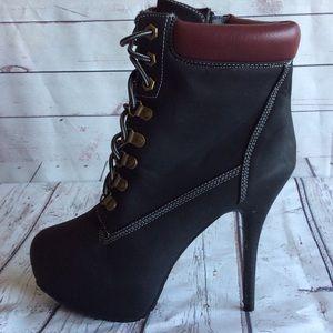 Wet seal boots heels black size 8