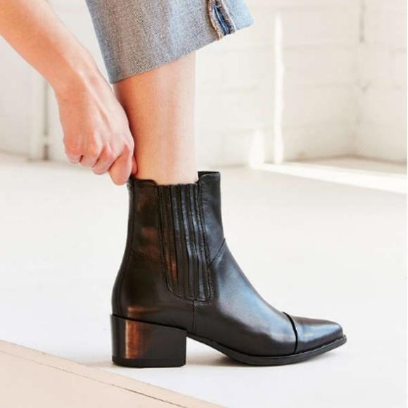 Vagabond Marja Chelsea Boot