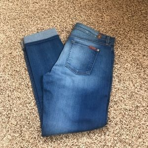 NWOT 7 For All Mankind Relaxed Skinny jeans! SZ 29