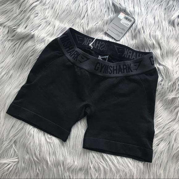 e4c01e8e40530 Gymshark Pants | Nwt Black Marl Flex Shorts Size M | Poshmark