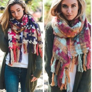 •patchwork woven scarf•