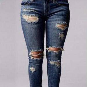 NWT! Destroyed Jeans