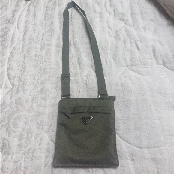 870f579851 Army Green Prada Crossbody Bag. M 59d557d3fbf6f9329600784a