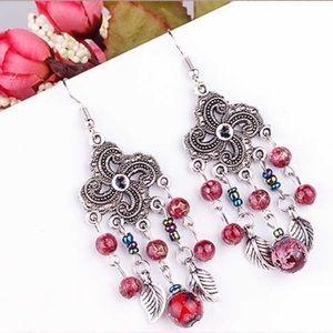 Jewelry - New beaded drop earrings