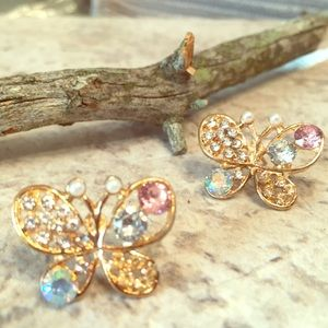 Jewelry - BUTTERFLY 🦋 JEWEL 💎 ACCENT GOLDTONE POST EARRING