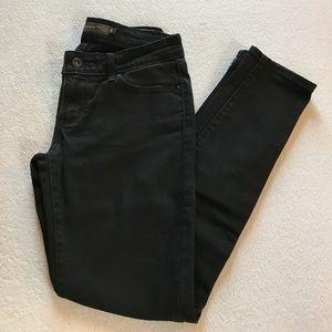 Levi's Demi curve modern rise skinny jeans.