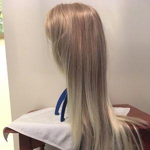 Ash blonde wig with bangs - Rare!