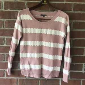 AEO American Eagle Outfitters Pink and Cream Lace
