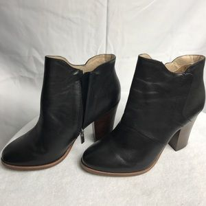 Halogen Habrynn Lea Black Leather Boots