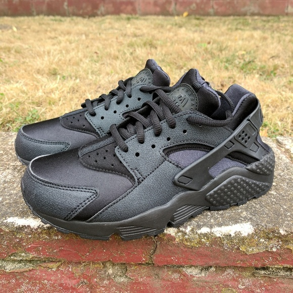 7d6ccb8dbfa8 Nike Air Max Huarache Triple Black